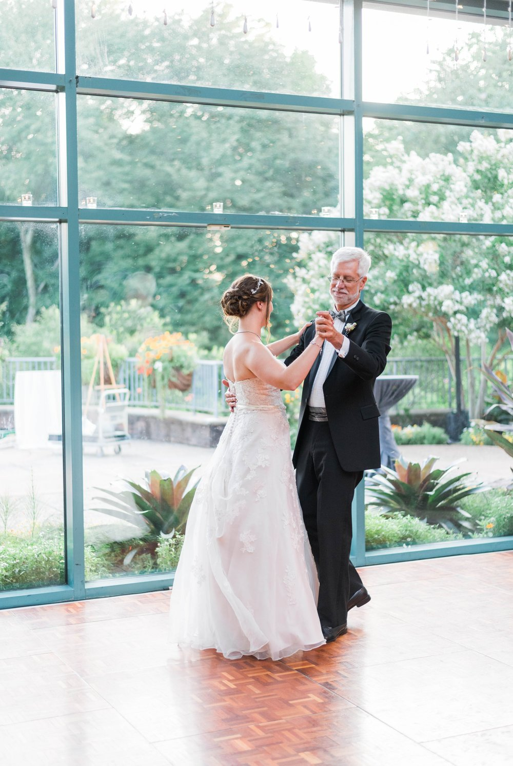 TheAtriumatMeadowlark_Virginiawedding photographer_lynchburgweddingphotographer_DCweddingPhotographer_KristinAaron 45.jpg