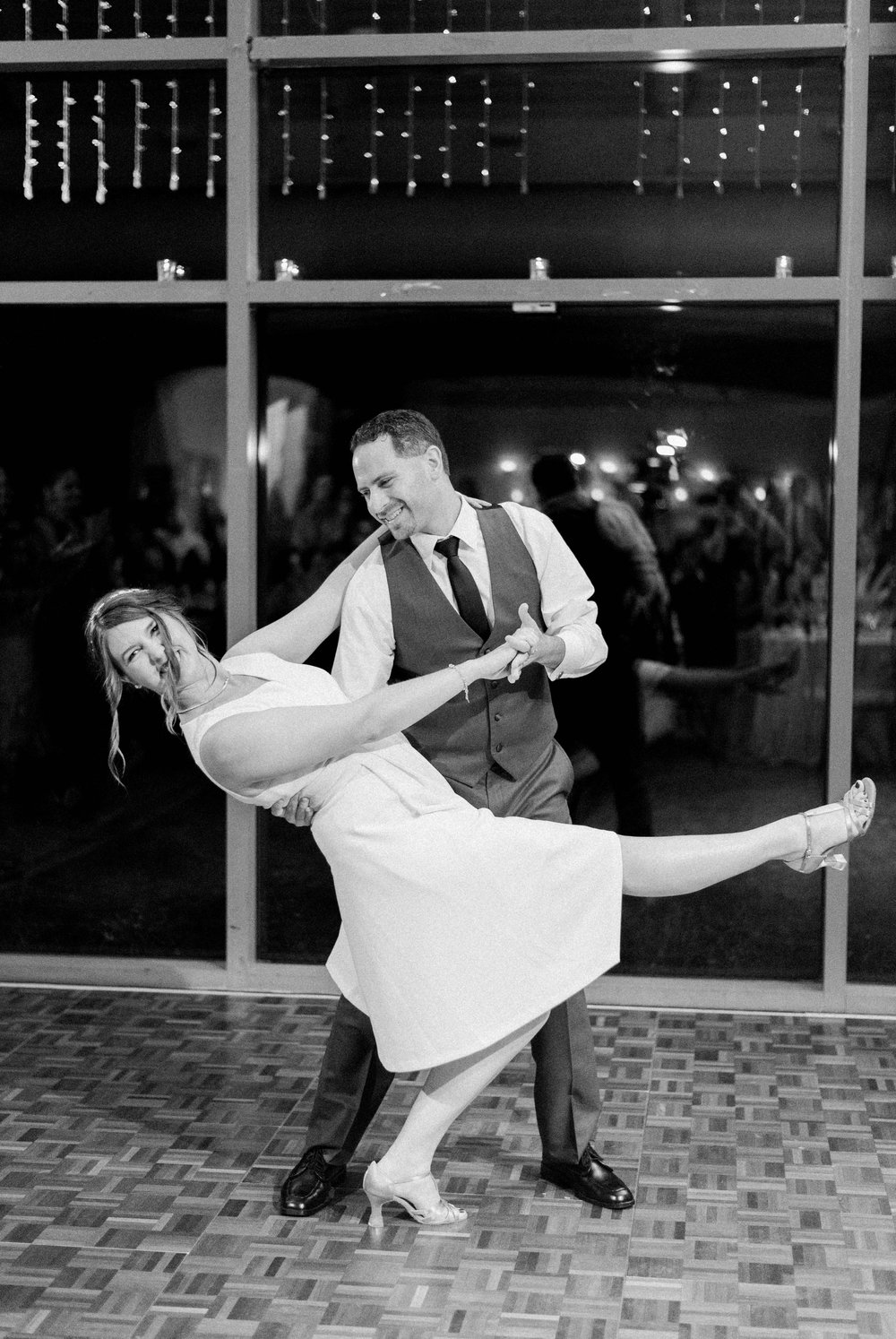 TheAtriumatMeadowlark_Virginiawedding photographer_lynchburgweddingphotographer_DCweddingPhotographer_KristinAaron 8.jpg