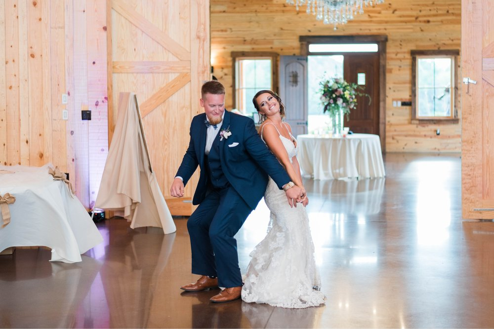 atkinson farms_VirginiaWeddingPhotographer_LynchburgWeddingPhotographer_DylanandLauren 38.jpg