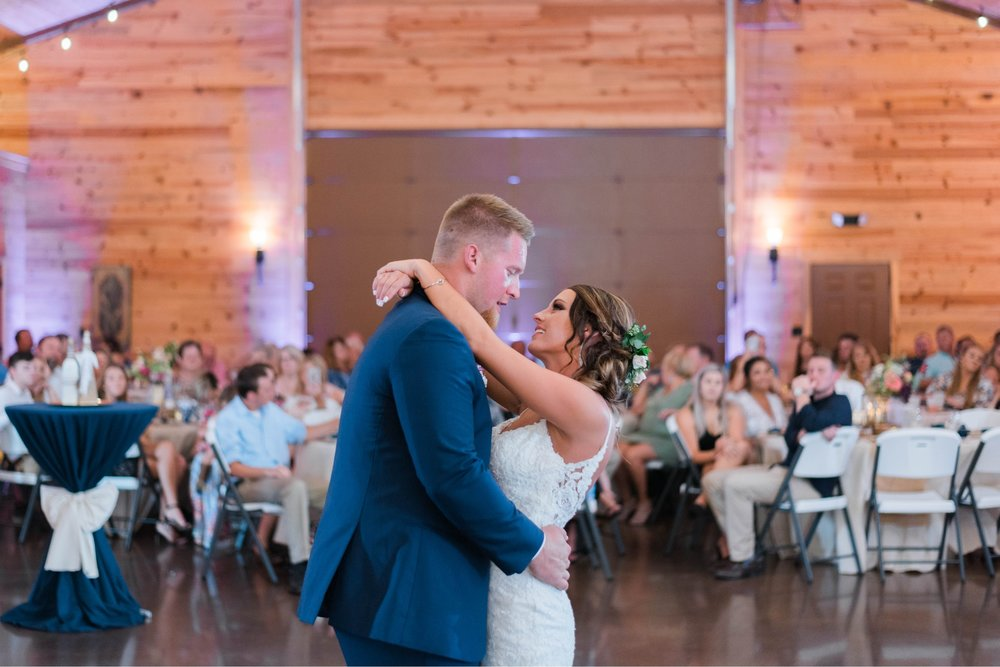 atkinson farms_VirginiaWeddingPhotographer_LynchburgWeddingPhotographer_DylanandLauren 42.jpg