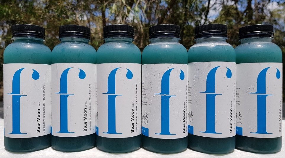 Blue Moon –   Blue Spirulina is incredibly high in antioxidants and can help combat stress and immune weakness, which is exactly why we wanted to get our hands on some! This juice has a beautiful tropical flavour and will leave you feeling uplifted and energised.  * Apple, pineapple, lemon, blue spirulina