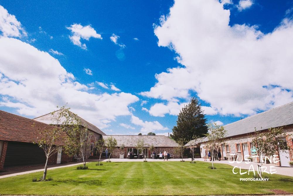Farbridge Barn Wedding Photographers, West Sussex Wedding Photos3.jpg