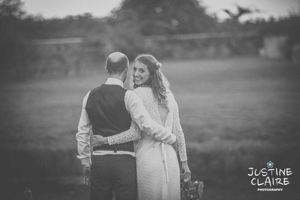 Lake wedding venue - Grittenham barn