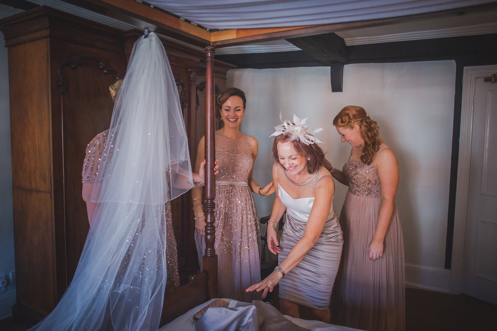 Grittenham Barn female wedding photographers west sussex petworth social-11.jpg