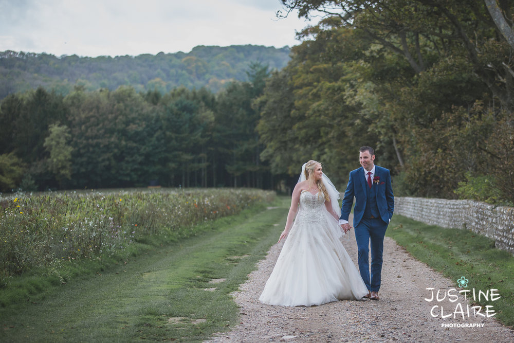 wedding photographer at Cissbury barn Findon Barn Venue Sussex reportage-101.jpg