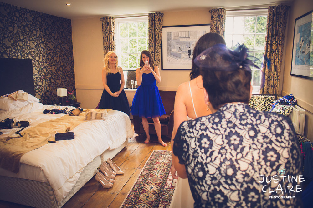 Hendall Manor Barn Wedding Photographers reportage documentary female photography Sussex photography reportage-16.jpg