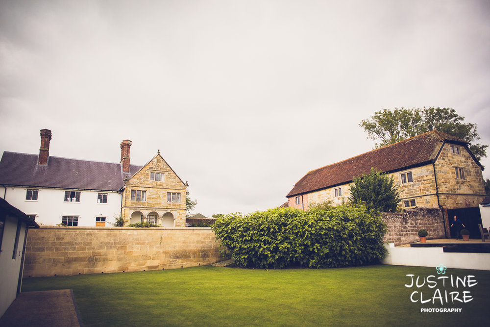 Hendall Manor Barn Wedding Photographers reportage documentary female photography Sussex photography reportage-82.jpg