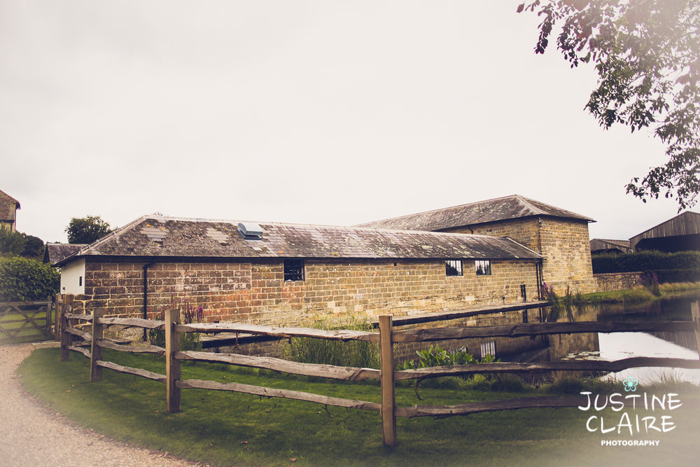 Hendall Manor Barn Wedding Photographers reportage documentary female photography Sussex photography reportage-84.jpg