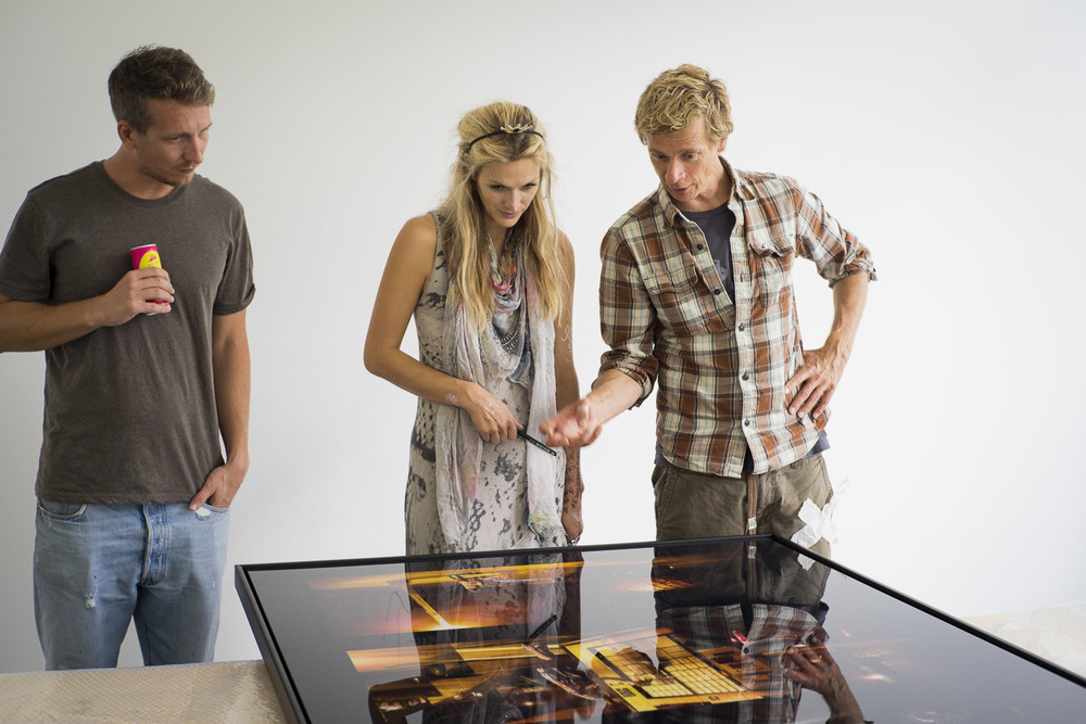 Ali Eckert has unwrapped the first of his large pictures - Mia and Martin Gremse are keen to have a first look
