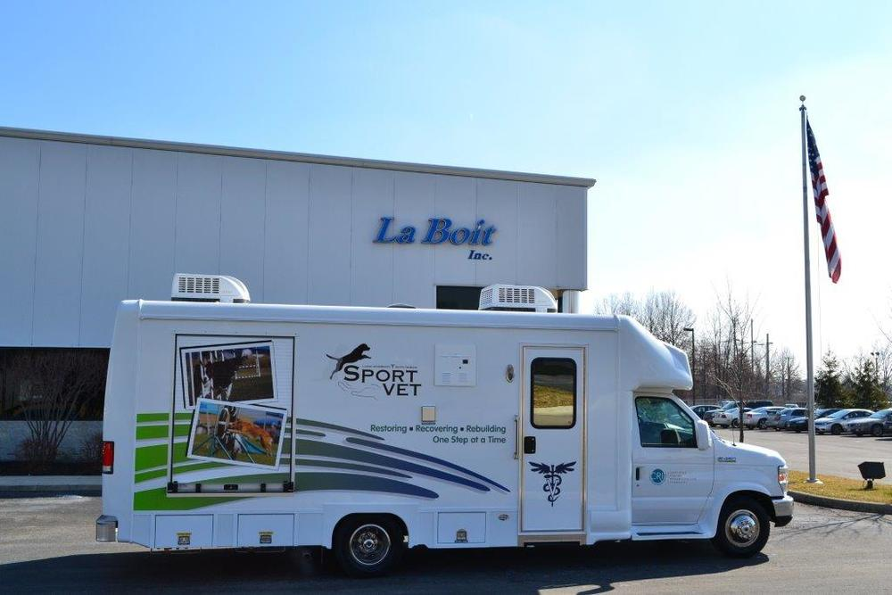 Dr. Jennell's Mobile Sports Unit: Equipped with Vetsystems Whirlpool, Lift and E-Stim Services.