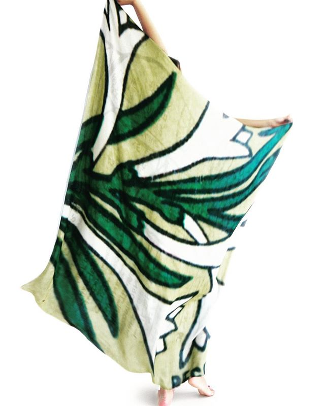 Chameli flower on a silk modal scarf. Open op your leafs and amaze people. You will only find these unique scarves in beautiful local and honnest stores. #fuckblackfriday #walldogworld #wearsoul #fashionwithastory