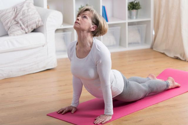 yoga emebed  shutterstock_289787369_0.jpg