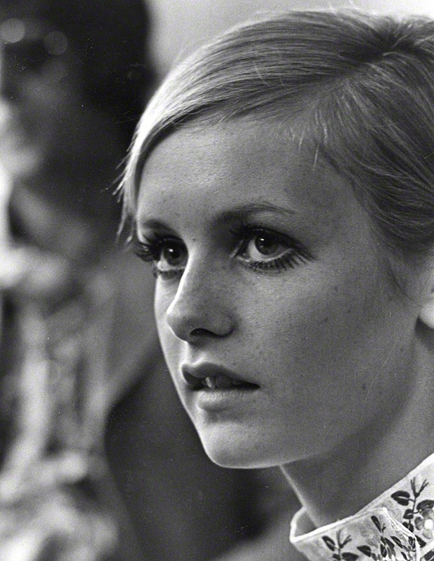 Twiggy gazing off-camera