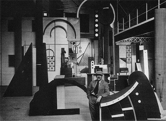 Fernand Léger on the set of  L'INHUMAINE