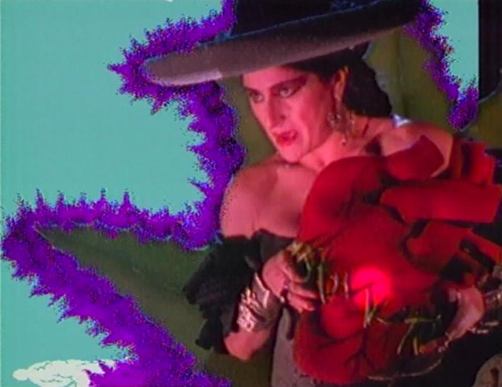 BLEEDING HEART (Corazón Sangrante)  (Ximena Cuevas, 1993)