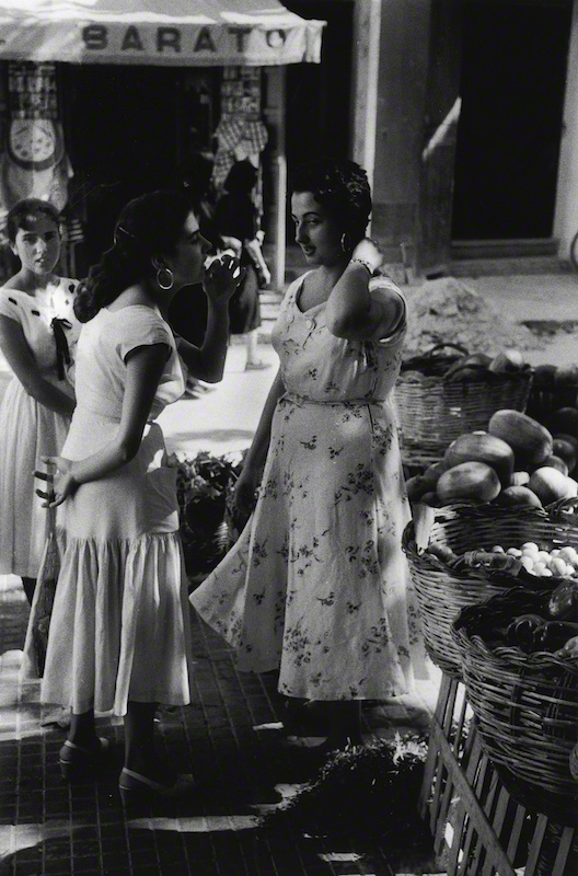 Girls in the Marketplace (1957)