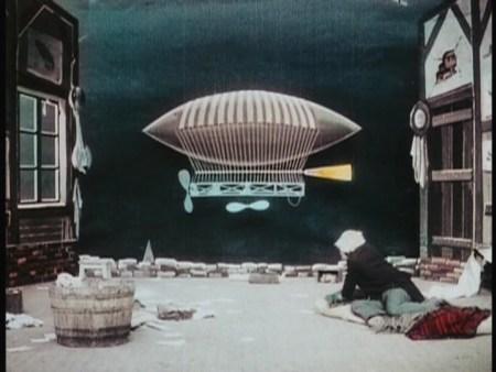 inventor-crazybrains-and-his-wonderful-airship-image-9.jpg