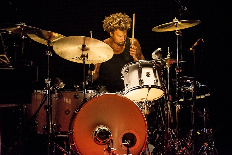 Happy (belated) Birthday to Jon Theodore of Queens of the Stone Age and The Mars Volta!  All content and photographs © Lindsey Best. Reproduction without written permission is forbidden.