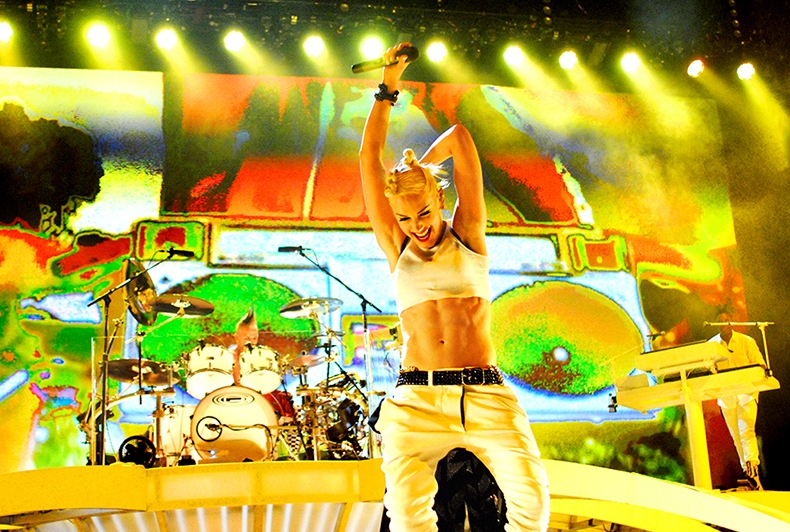 Happy Birthday to the lovely Gwen Stefani of No Doubt! All Images Copyright © Lindsey Best. Please do not steal my images without prior consent & proper credit.  If you're interested in licensing an image or acquiring a print, please email me. www.LindseyBest.com