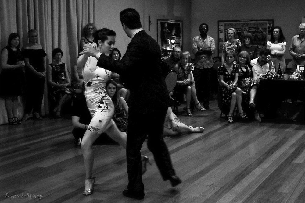 Tango Bajo -9301.jpg