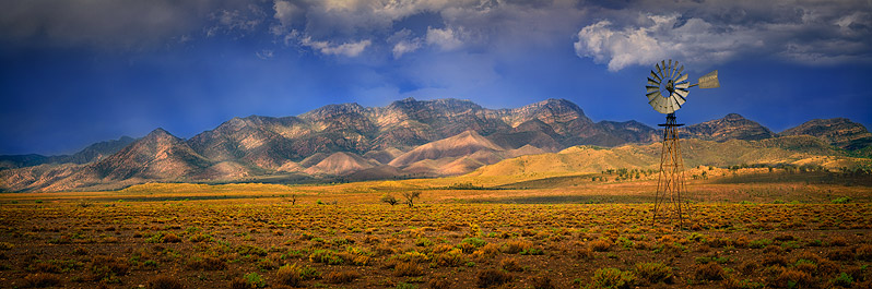 Wilpena Pound luminism, Flinders Ranges, South Australia.jpg