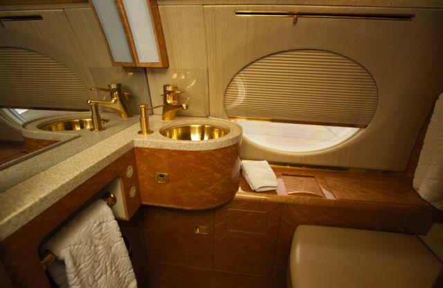 Gulfstream GV #564 Lavatory.jpg