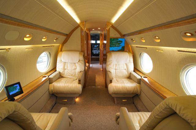 Gulfstream GV #564 Interior Fwd.jpg