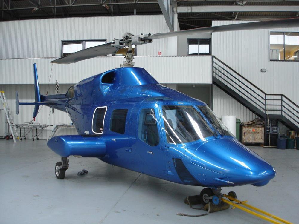 Bell 222 Exterior