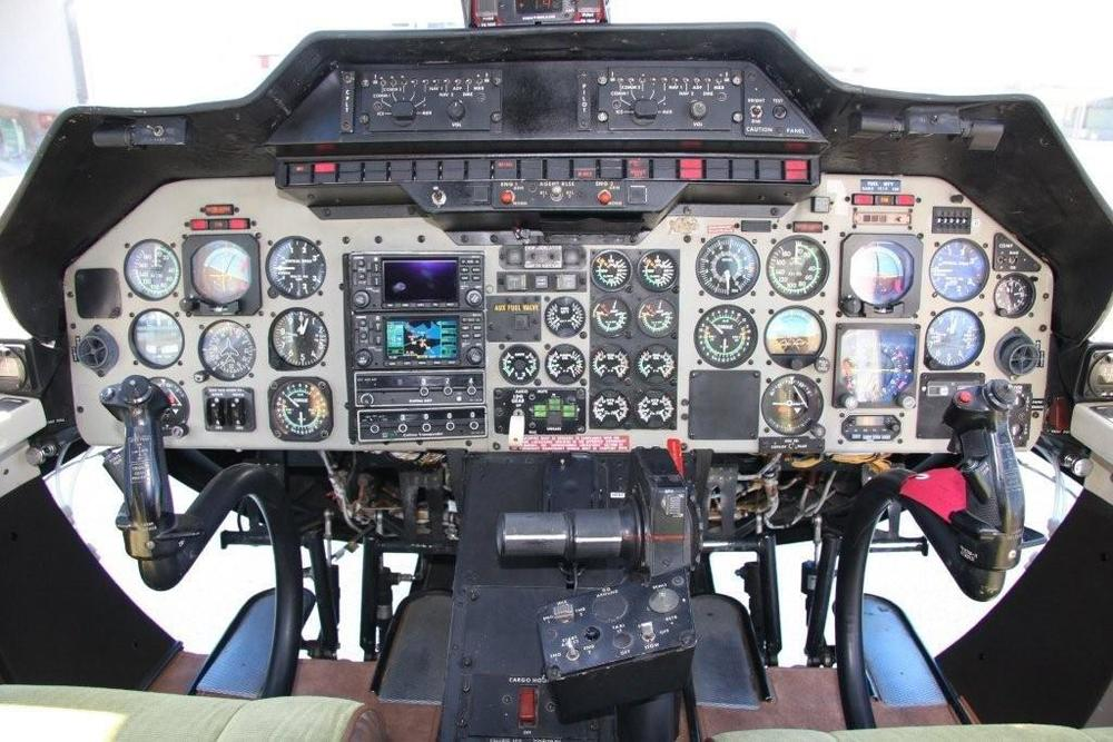 Bell 222 Cockpit