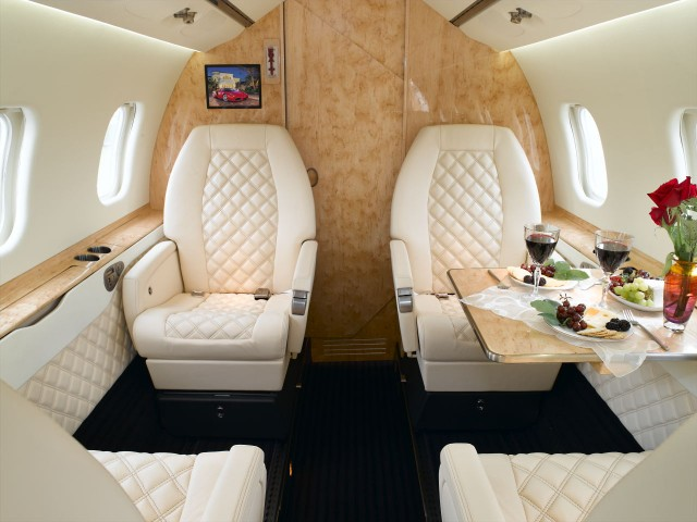 Lear 60 For Charter