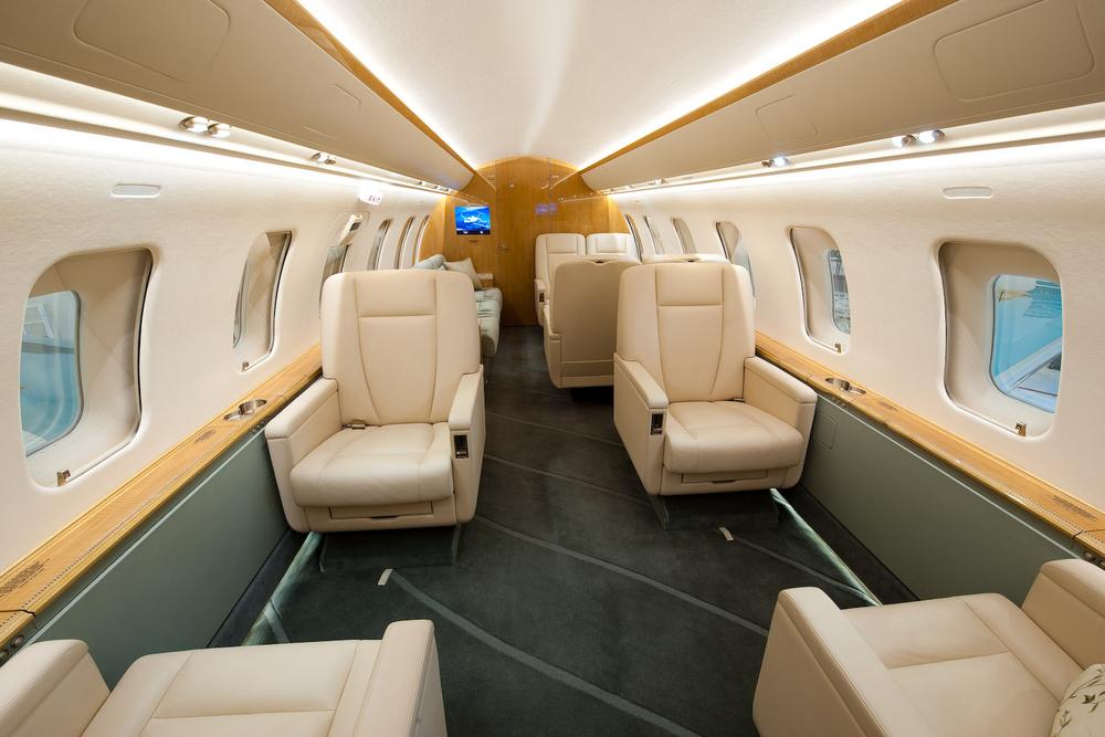 Challenger 605 5772 Interior 5.jpg