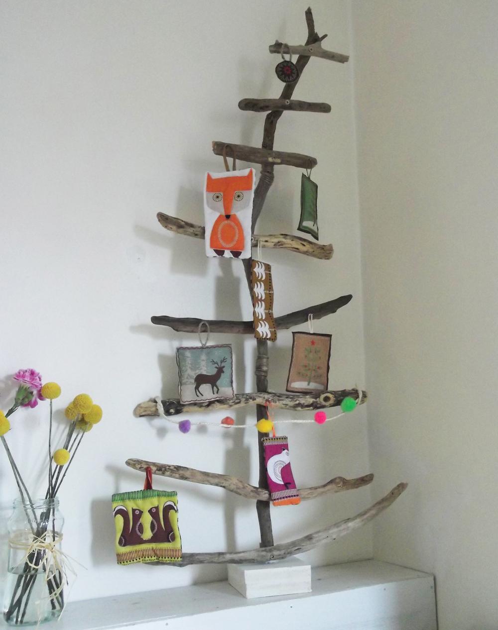 driftwood christmas tree.jpg