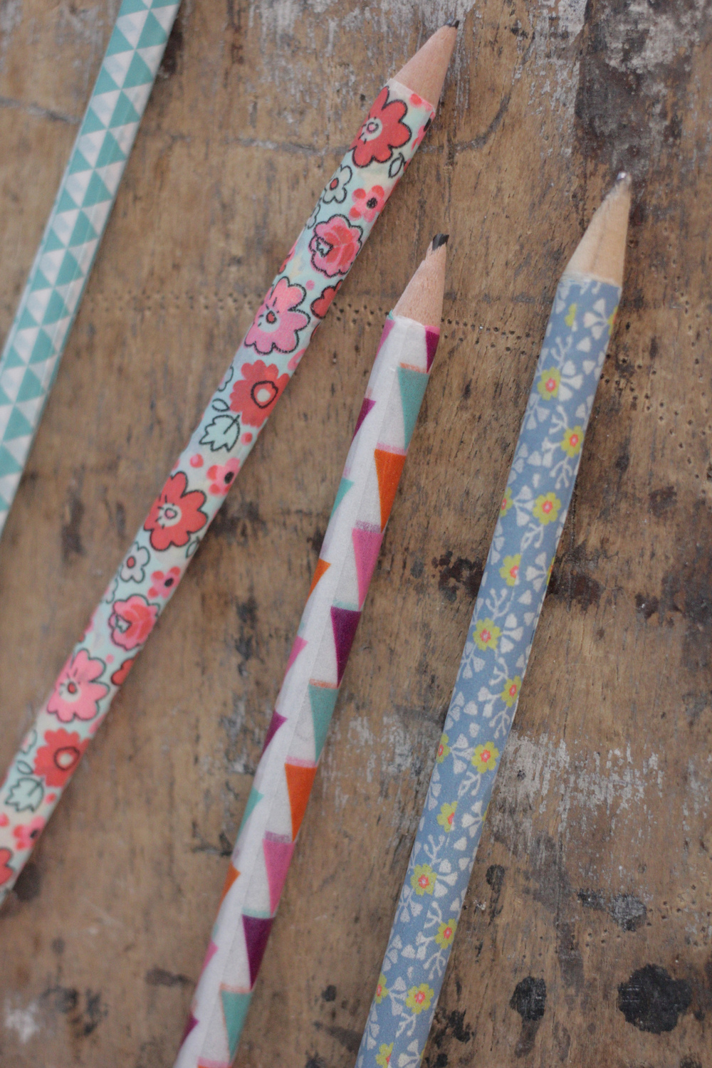 washi tape pencil tutorial by Hester's Handmade Home