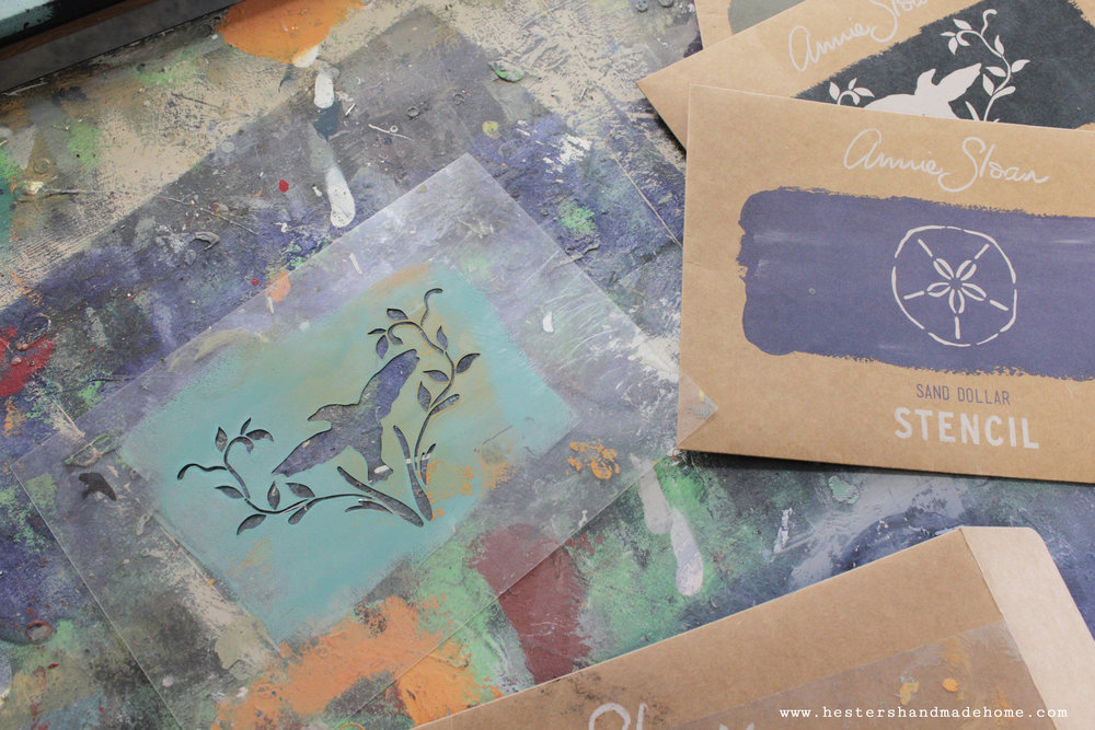 Stencils by Annie Sloan, photo by www.hestershandmadehome.com