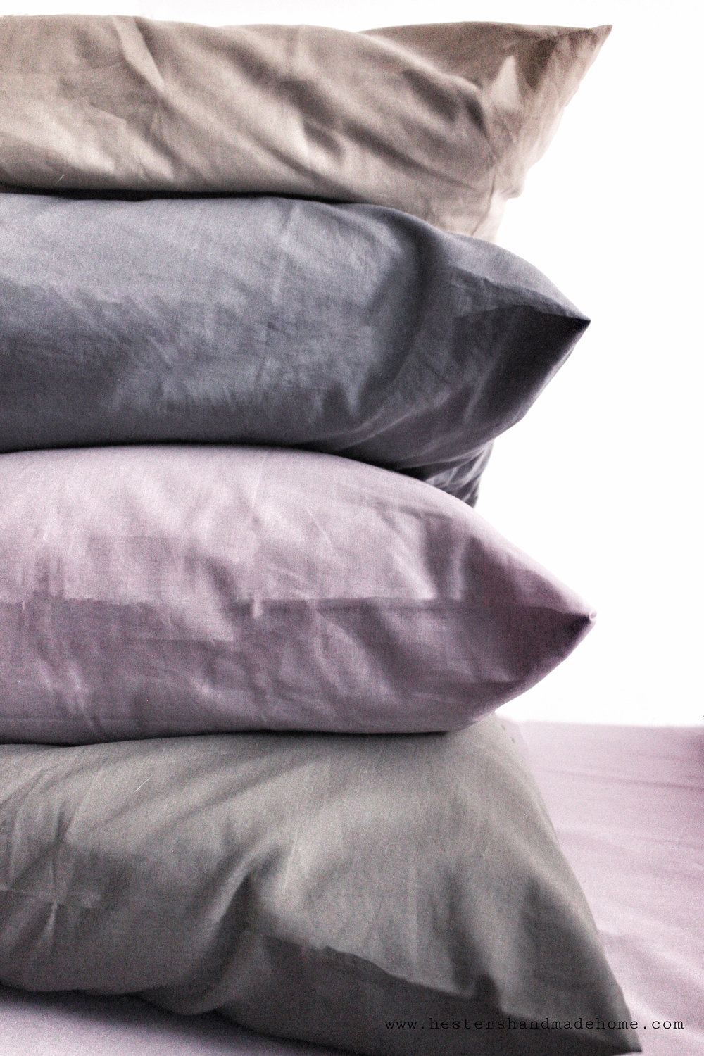 Use coloured pillows instead of scatter cushions, how to style your bed by www.hestershandmadehome.com