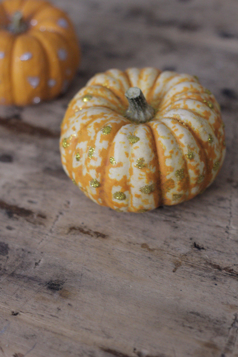 gold glitter pumpkin, tutorial by hesters handmade home
