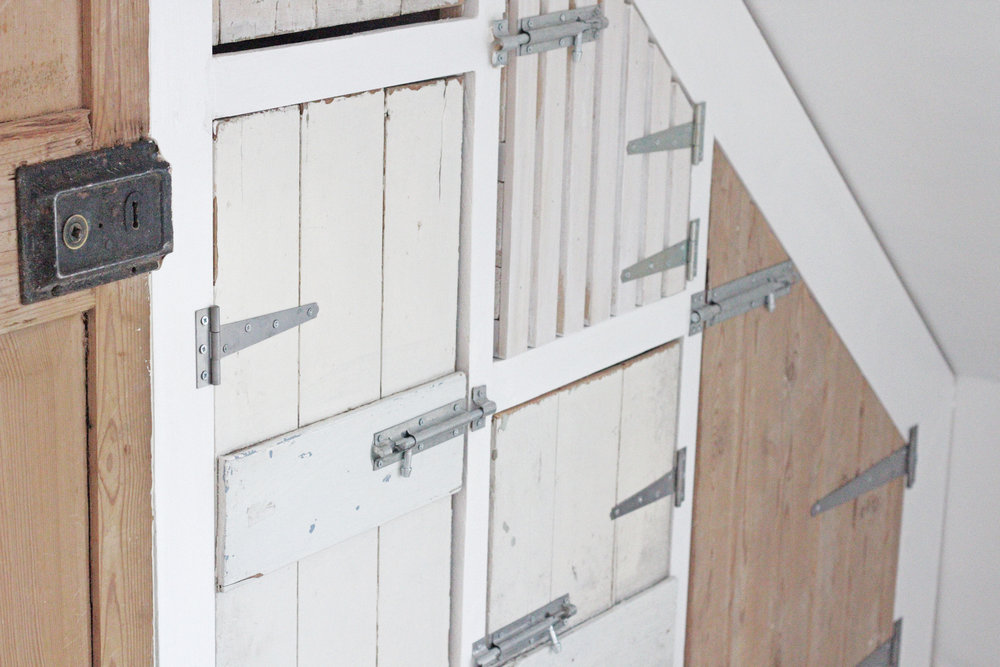 Build your own wardrobe with reclaimed doors, tutorial by www.hestershandmadehome.com