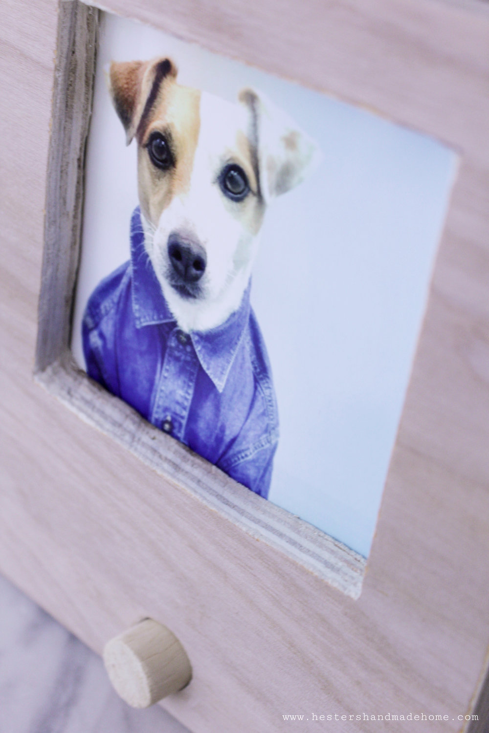 Photo frame for your Instagram shots, tutorial by Hesters Handmade Home