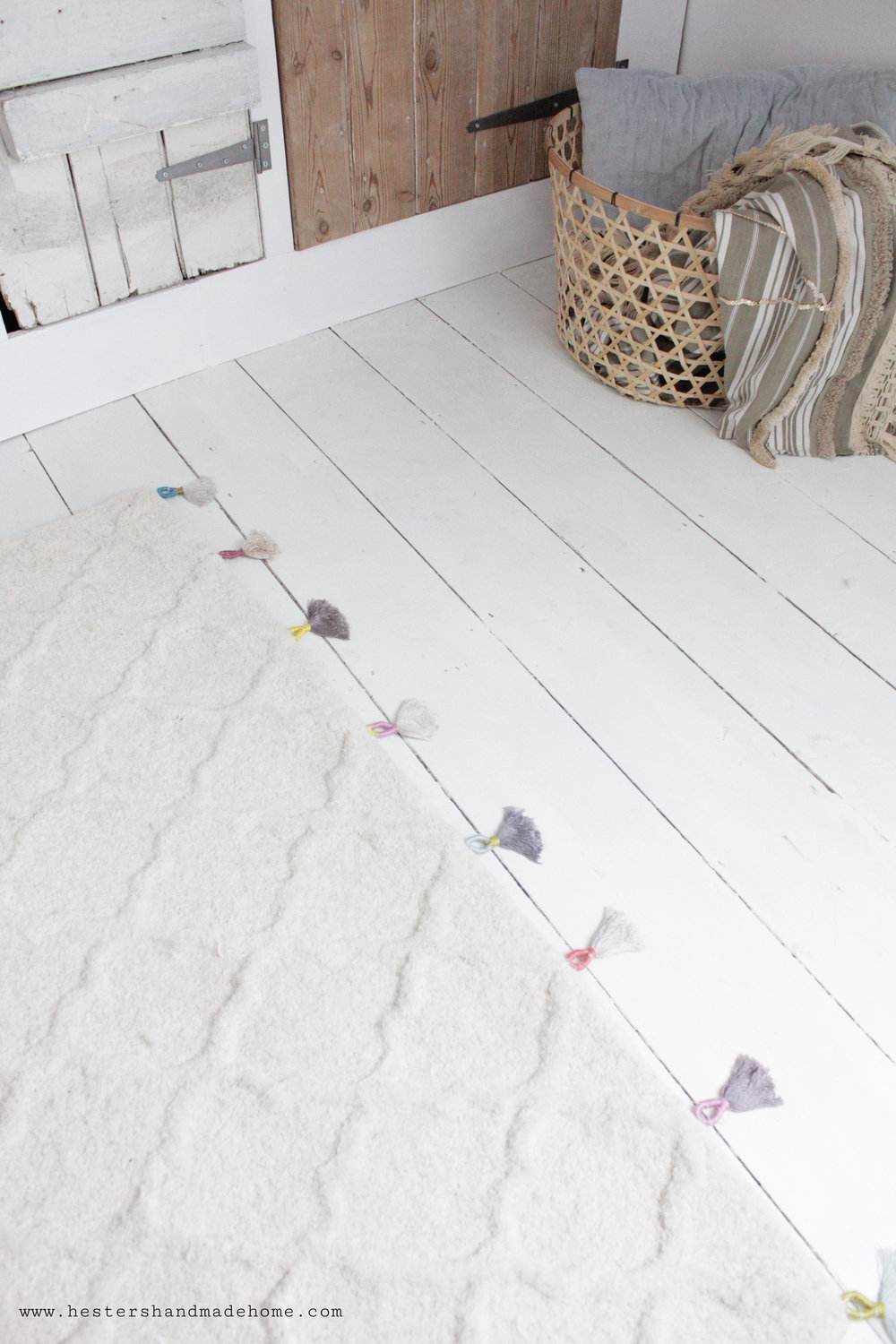 Budget rug hack by www.hestershandmadehome.com