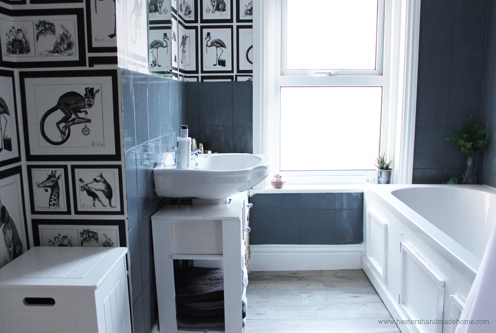 Budget bathroom makeover by www.hestershandmadehome.com
