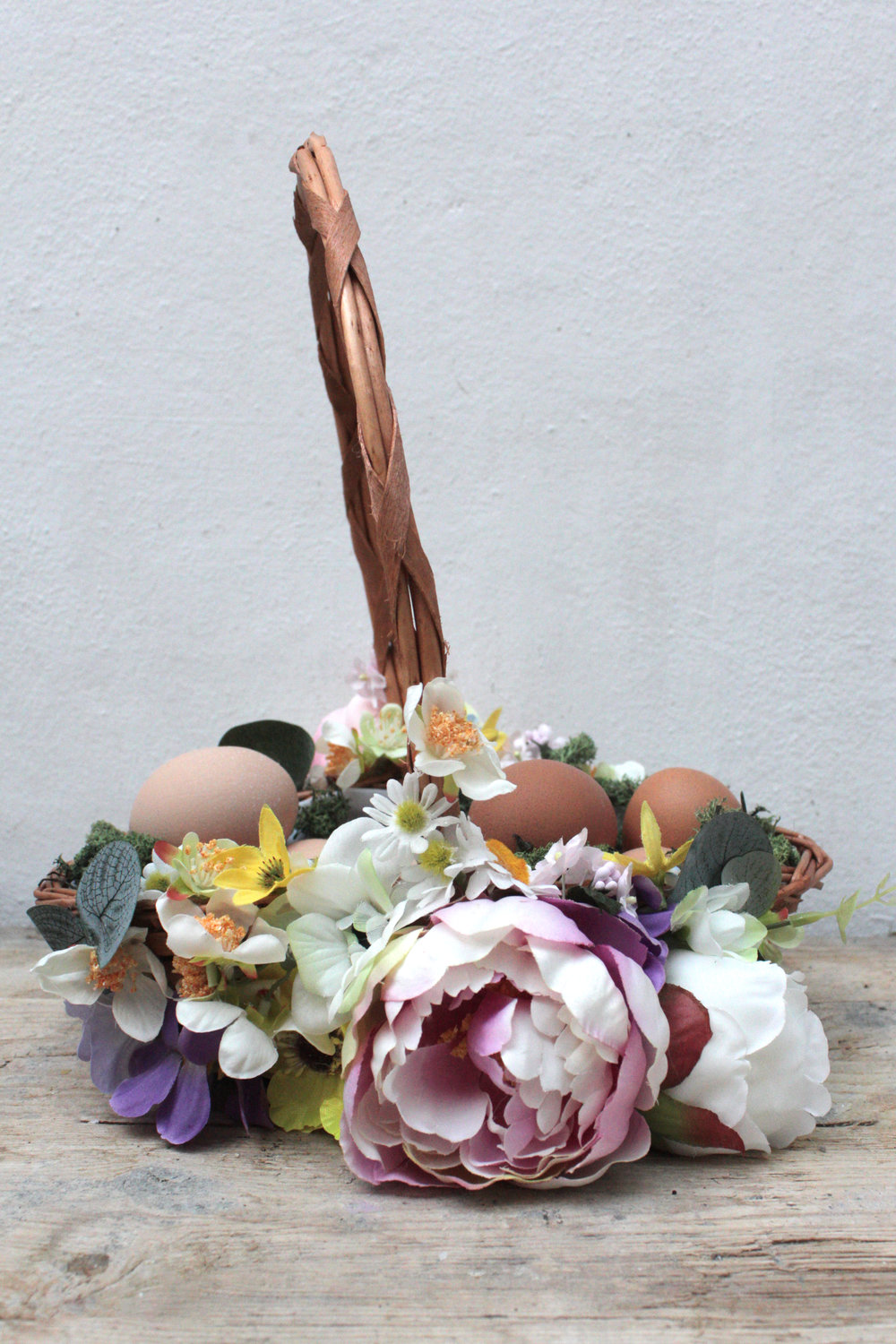 Faux flower egg basket with www.hestershandmadehome.com