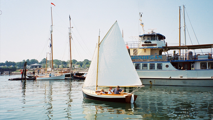 Nonpareil Sloop via Cottrell Boat Building.
