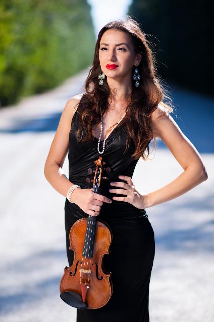 Rusanda Panfili, Violin