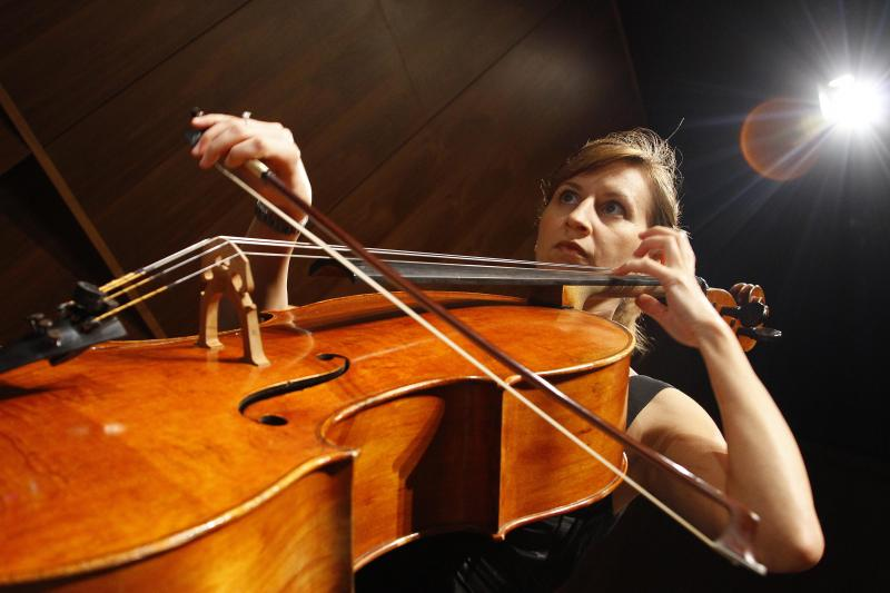 Mara Kronick, Cello