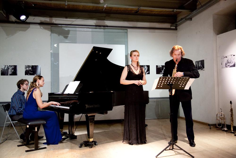 Chanda VanderHart, Magdalena Anna Hofmann and Huub Claessens