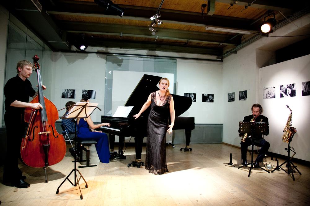 Thomas Stempkowski, Chanda VanderHart, Magdalena Anna Hofmann, Huub Claessens and Kurt Weill