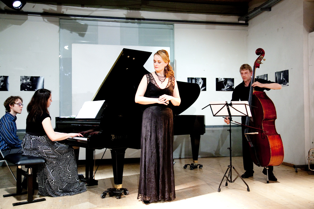 Deirdre Brenner, Magdalena Anna Hofmann and Thomas Stempkowski