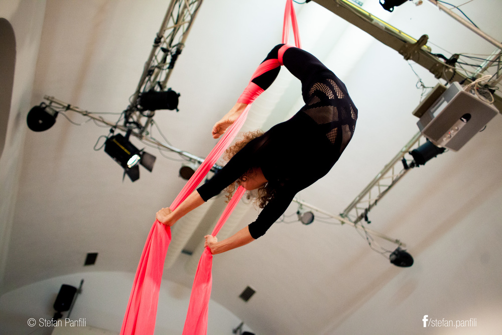 Mika Nagl, aerialist in bar at Brick-5