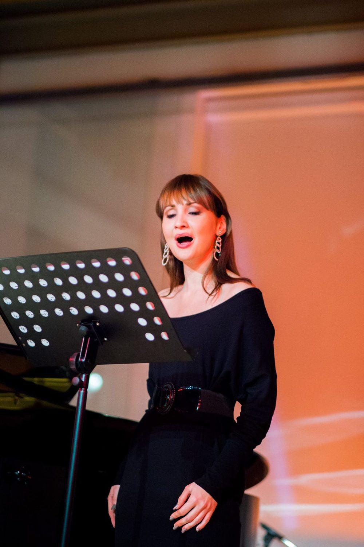 Cristina Pasaroiu, Soprano