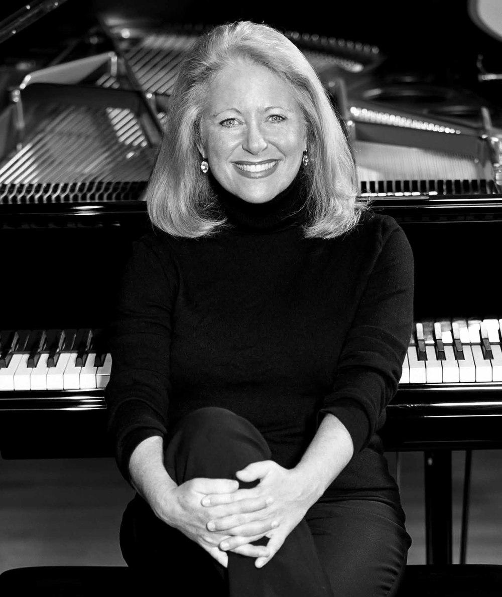 Antoinette Van Zabner, Piano